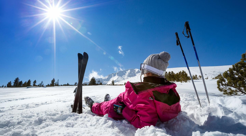 Skiing in low season